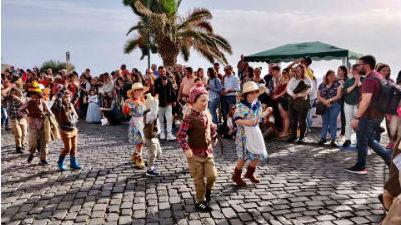 Já desfila o Carnaval da Ponta do Sol na Avenida 1° de Maio