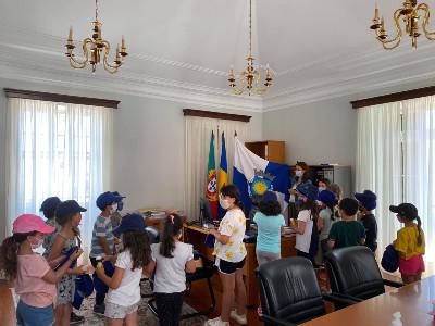 Crianças e jovens conhecem o funcionamento da Câmara Municipal