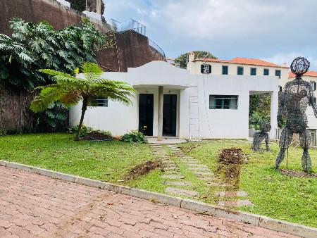 Remodelação das instalações sanitárias públicas e envolvente na vila da Ponta do Sol