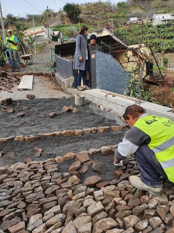 Obras nos Fregueses Novos | repavimentação em calçada tradicional