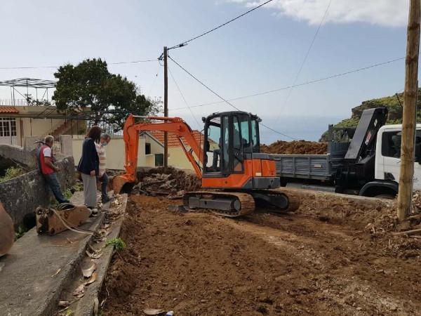 Construção de estacionamentos na Água D'Alto - Livramento
